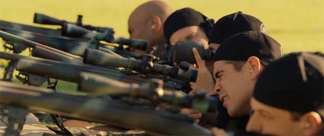 スワットの訓練 狙撃銃での射撃シーン