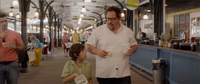 カールと息子パーシーが歩いているシーン
