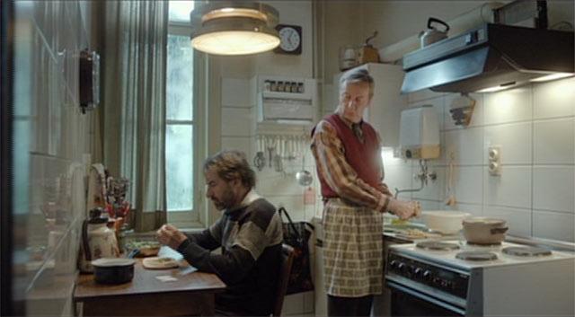 料理をするフレッドとテオ