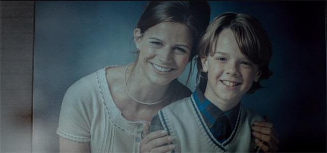 フレッドの妻と子の写真