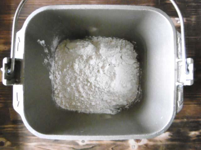 7.薄力粉を入れる