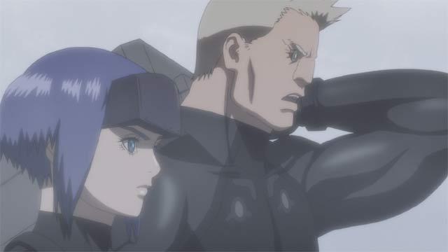 戦闘服を着た素子とバトー