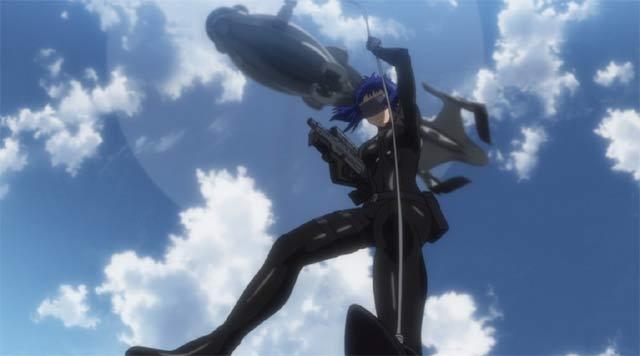 ヘリから滑り降りる草薙 素子