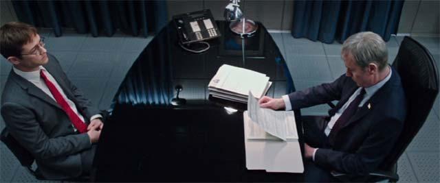 スノーデンがCIAの面接を受けるシーン