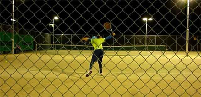 テニス試合 ナイターシングルス